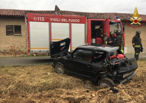 Scontro tra due auto: una persona finisce in ospedale