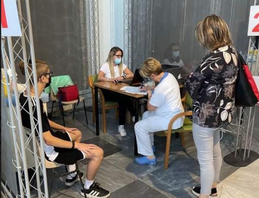 Vaccinazioni 12-19 anni: in un solo giorno 165 dosi somministrate a Santa Chiara