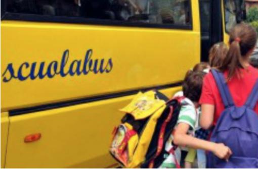 A 6 anni si addormenta sullo scuolabus e quando si sveglia è al deposito di Agliè