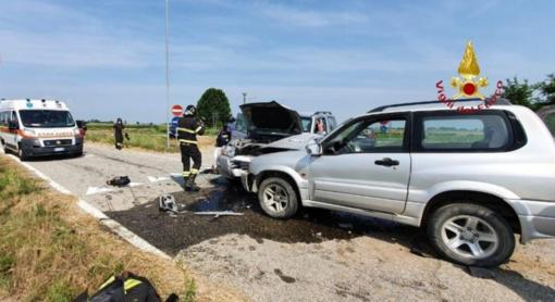 Scontro tra due auto, un ferito