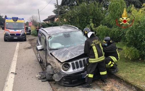 Schianto a Santhià: nessun ferito grave, ma danni ai mezzi