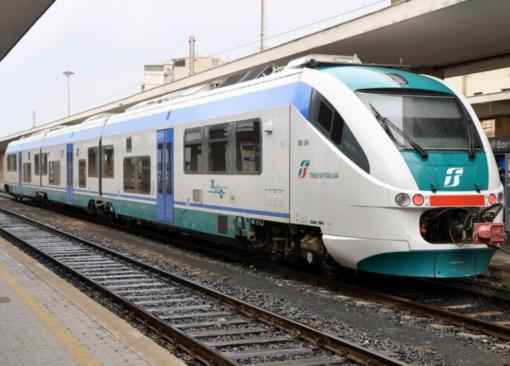 Minaccia di uccidersi: traffico interrotto sulla linea per Milano