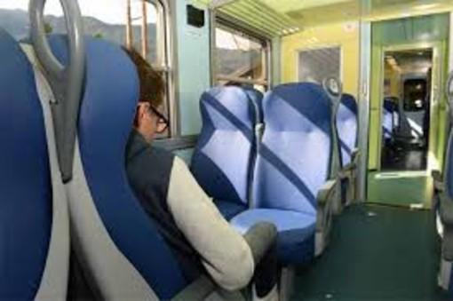 Treni, autobus e taxi: da venerdì regole nuove