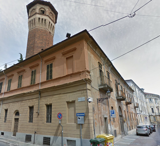 Vercelli (de)cadente: palazzo Vialardi