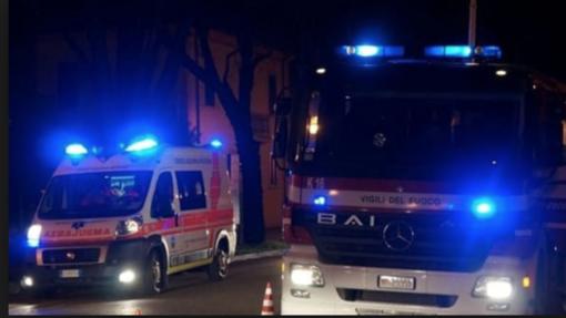 Auto a fuoco dopo l'incidente: un morto