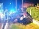 Perde il controllo dell'auto e finisce contro il guard rail: incidente all'alba di sabato